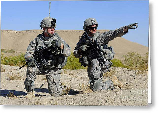 U.s. Army Soldiers Familiarize Greeting Card by Stocktrek Images