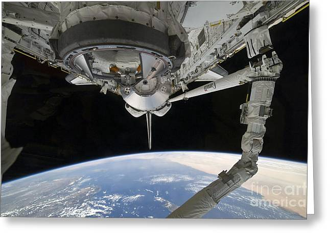 View Of Space Shuttle Discovery Greeting Card by Stocktrek Images