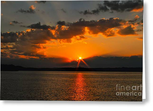 Purchase Greeting Cards - Chattanooga Sunrise # 2 Greeting Card by Geraldine DeBoer