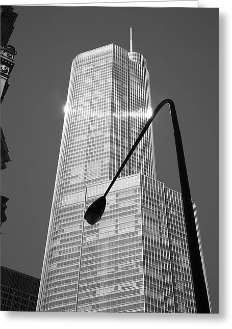 Streetlight Greeting Cards - Chicago Skyscraper Greeting Card by Frank Romeo
