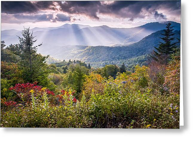 God Beams Greeting Cards - Mountain Majesty Greeting Card by Rob Travis