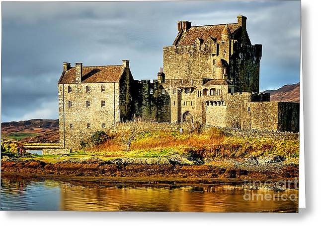 Eilean Donan Castle Greeting Card by Stephen Smith