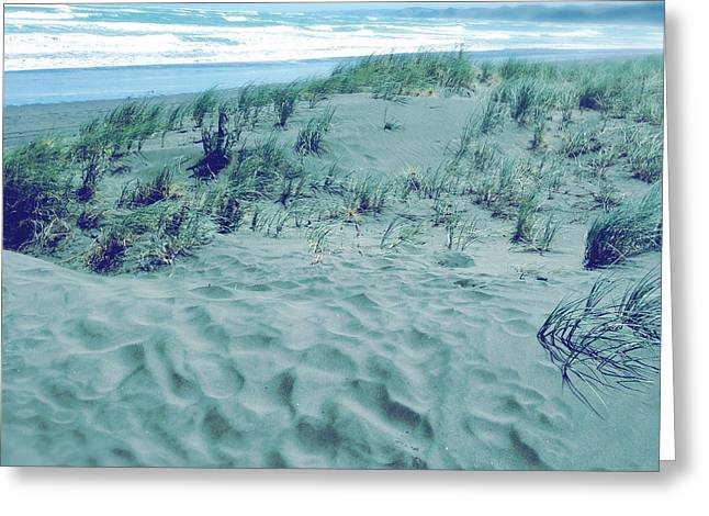 Beach Photograph Greeting Cards - Raglan Greeting Card by Les Cunliffe