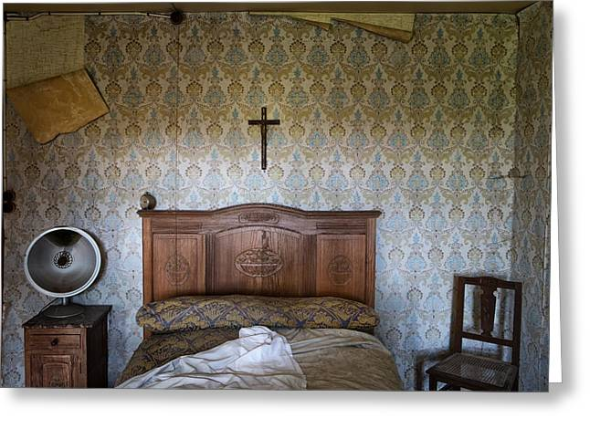 Abandoned Places Greeting Cards - Abandoned Bed Room - Urban Exploration Greeting Card by Dirk Ercken