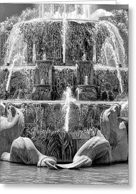 Buckingham Fountain Closeup Black And White Greeting Card by Christopher Arndt