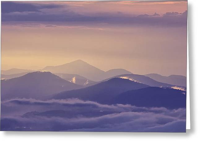 Crepuscular Rays Greeting Cards - Dawn Breaks Greeting Card by Rob Travis
