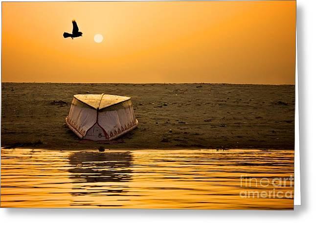 Dawn On The Ganga Greeting Card by Valerie Rosen