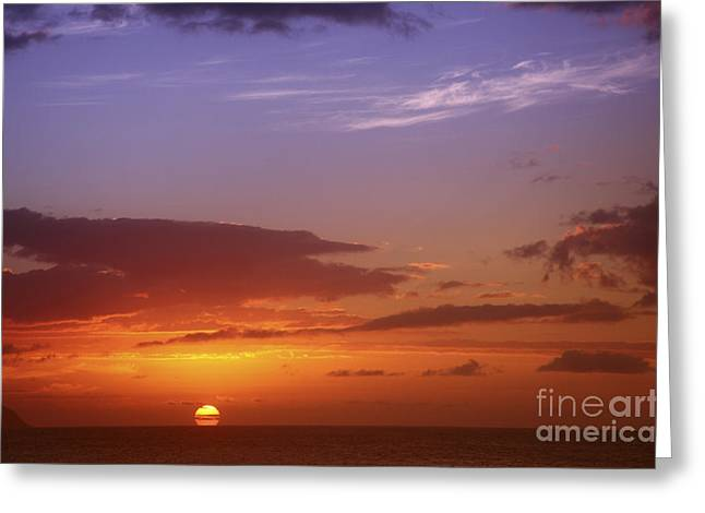 Amazing Sunset Greeting Cards - Dramatic Oahu Sunset Greeting Card by Vince Cavataio - Printscapes