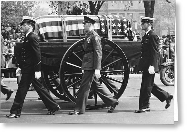 Franklin Roosevelt Greeting Cards - FDR Funeral Proccesion Greeting Card by Underwood Archives