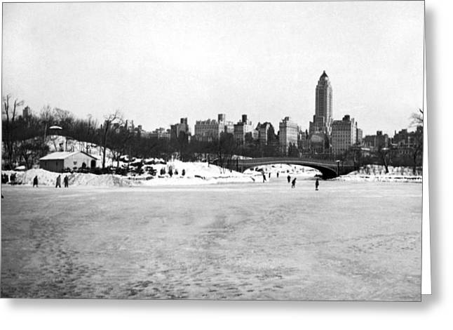 Ice-skating Greeting Cards - Ice Sakers In Central Park. Greeting Card by Underwood & Underwood