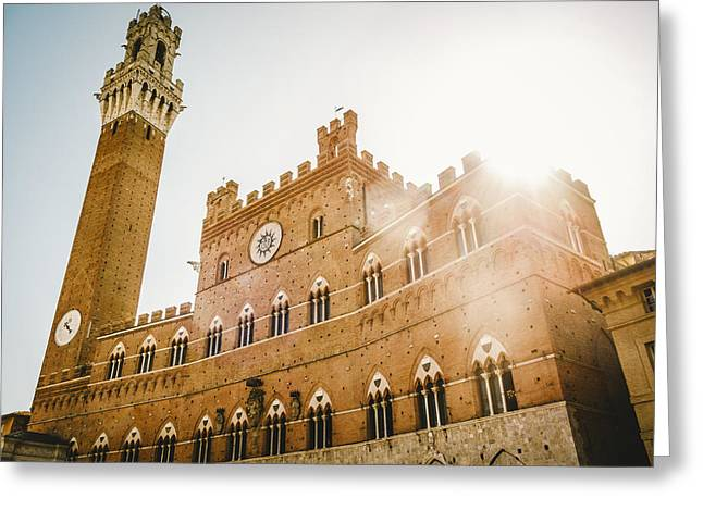 Sienna Italy Greeting Cards - Il Palazzo Pubblico a Siena Greeting Card by Roberto Pastrovicchio