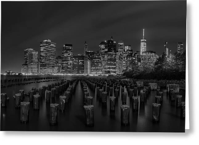 Manhattan And The Brooklyn Pileons In Black And White Greeting Card by Andres Leon