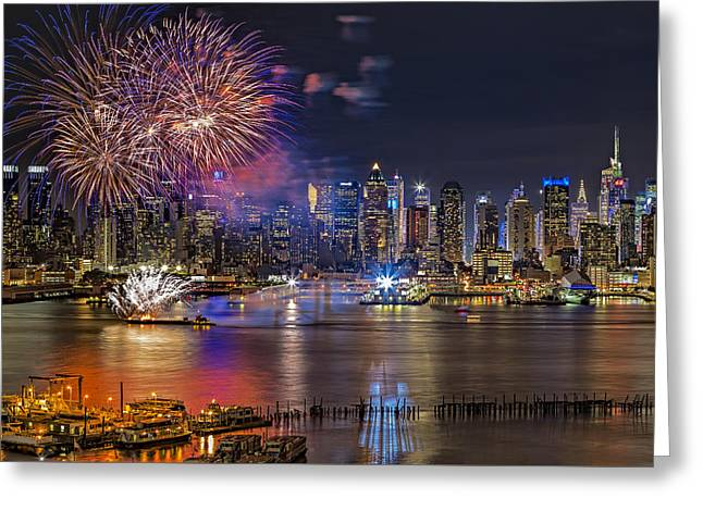 Pyrotechnics Greeting Cards - Manhattan NYC Summer Fireworks Greeting Card by Susan Candelario
