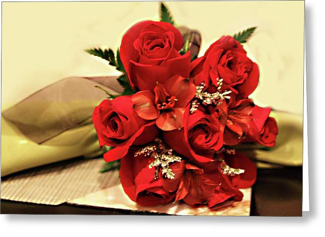 Placemat Greeting Cards - Red Rose Bouquet Greeting Card by Linda Phelps