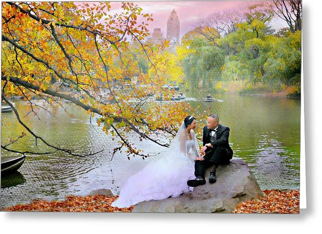 Romance In The Park Greeting Card by Diana Angstadt