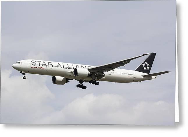 Star Alliance Boeing 777 Greeting Card by David Pyatt