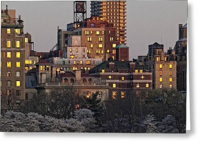 Sunset Spring Nyc Greeting Card by Robert Ullmann