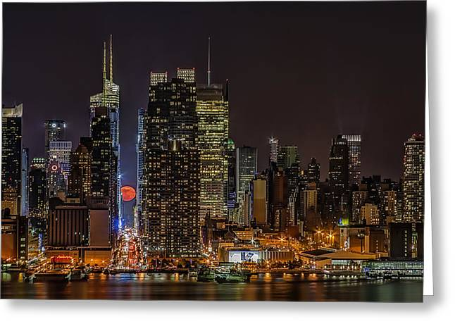 The City That Never Sleeps Greeting Cards - Super Moon Rising Greeting Card by Susan Candelario