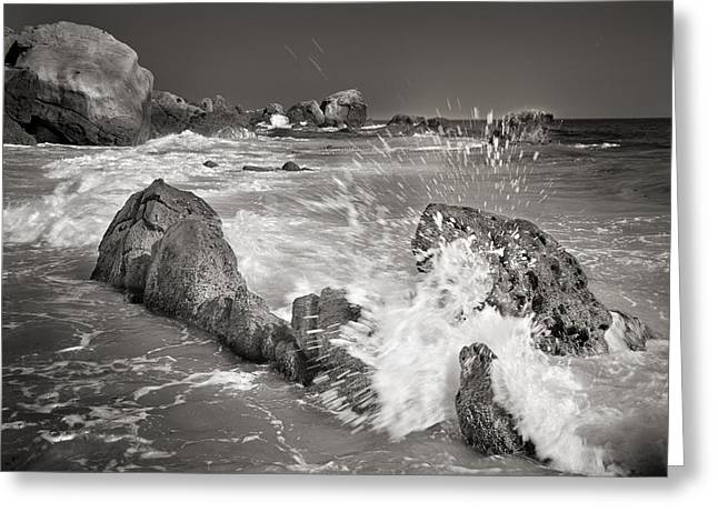 The wave Greeting Card by Guido Montanes Castillo