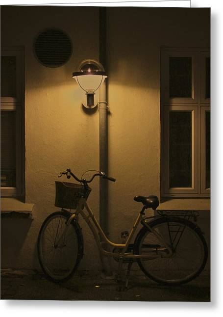 Night Scenes Greeting Cards - Under The Light Greeting Card by Odd Jeppesen