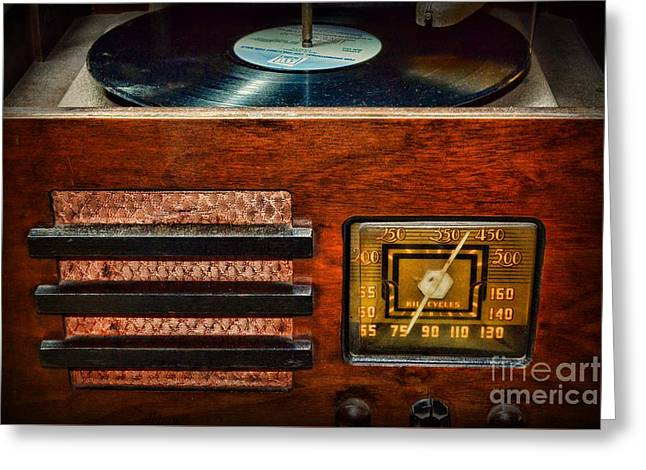 Music Time Greeting Cards - Vintage Radio Greeting Card by Paul Ward