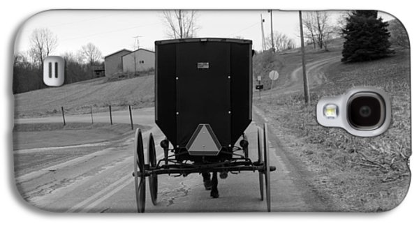 Amish Family Photographs Galaxy S4 Cases -        A Cold Amish Ride Galaxy S4 Case by Wendy Aycox  Newkirk