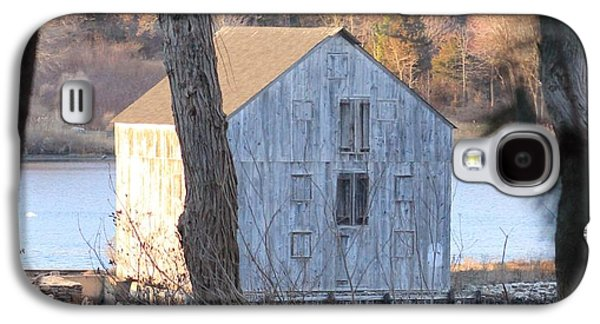 Landmarks Photographs Galaxy S4 Cases -  Van Wyck-Lefferts Mill Galaxy S4 Case by Karen Silvestri