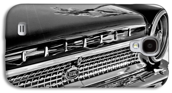 1963 Ford Galaxy S4 Cases - 1963 Ford Galaxie 500XL Taillight Emblem Galaxy S4 Case by Jill Reger