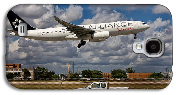 Star Alliance Airline Galaxy S4 Cases - Avianca A-330 Airbus  Galaxy S4 Case by Rene Triay Photography
