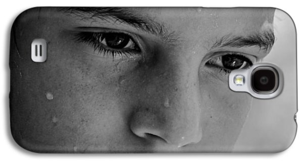 Sweating Photographs Galaxy S4 Cases - A Thoughtful Young Man Galaxy S4 Case by Mountain Dreams