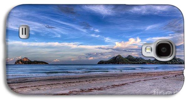 Sea Galaxy S4 Cases - Ao Manao Bay Galaxy S4 Case by Adrian Evans