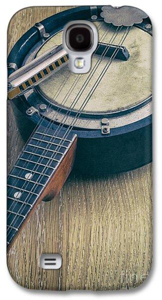 Studio Photographs Galaxy S4 Cases - Banjo and Harp Galaxy S4 Case by Carlos Caetano