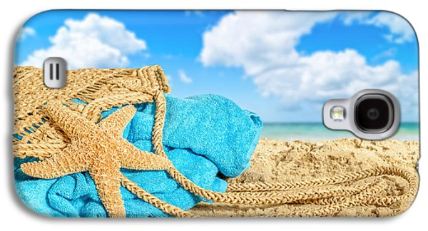 Beach Towel Galaxy S4 Cases - Beach Basket Galaxy S4 Case by Amanda And Christopher Elwell