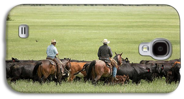 Cowboys Herding On A Cattle Ranch Galaxy S4 Case by Jim West