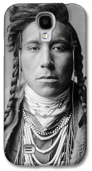 Young Man Photographs Galaxy S4 Cases - Crow Indian Man circa 1908 Galaxy S4 Case by Aged Pixel