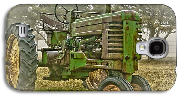 Machinery Photographs Galaxy S4 Cases - Deere In Mist Galaxy S4 Case by Robert Frederick