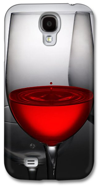 Pour Photographs Galaxy S4 Cases - Drops Of Wine In Wine Glasses Galaxy S4 Case by Setsiri Silapasuwanchai