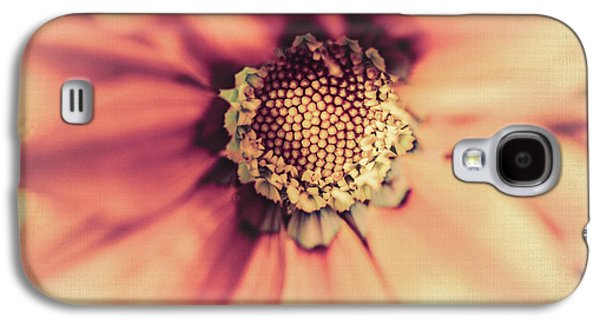 Close Focus Floral Galaxy S4 Cases - Flower Beauty II Galaxy S4 Case by Marco Oliveira