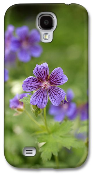 Close Up Floral Galaxy S4 Cases - Geranium Himalayense Galaxy S4 Case by Frank Tschakert