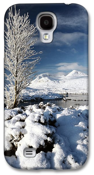 Trees In Snow Galaxy S4 Cases - Glencoe Winter Galaxy S4 Case by Grant Glendinning