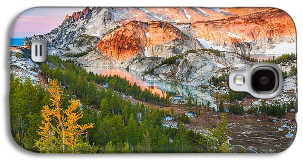 Geology Photographs Galaxy S4 Cases - Little Annapurna Galaxy S4 Case by Inge Johnsson
