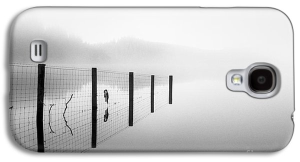 Misty Prints Galaxy S4 Cases - Loch ard early mist Galaxy S4 Case by John Farnan