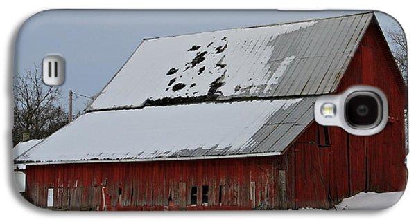 Barns In Snow Galaxy S4 Cases - Ohio Barn In Winter Galaxy S4 Case by Dan Sproul