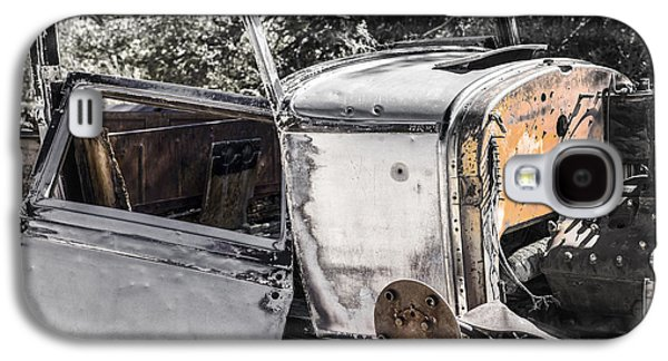 Rusted Cars Galaxy S4 Cases - Old Car Galaxy S4 Case by Joseph S Giacalone