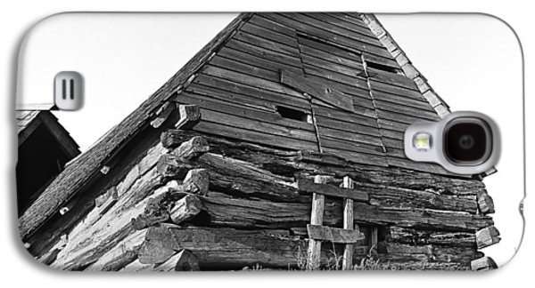 Old Relics Galaxy S4 Cases - Old Log Building on North Dakota Prairie Galaxy S4 Case by Donald  Erickson