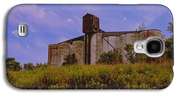 Old Feed Mills Galaxy S4 Cases - Silos in The Field Galaxy S4 Case by Jim Markiewicz