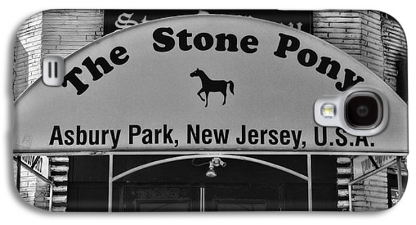 Bruce Springsteen Photographs Galaxy S4 Cases - Stone Pony Galaxy S4 Case by Paul Ward