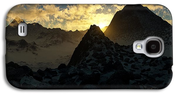 Photorealistic Galaxy S4 Cases - Sunset in the Stony Mountains Galaxy S4 Case by Hakon Soreide