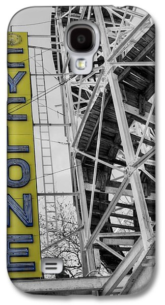 Rollercoaster Photographs Galaxy S4 Cases - The Cyclone Galaxy S4 Case by JC Findley