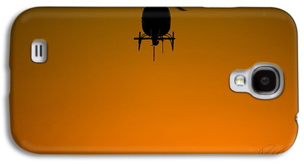 Helicopter Photographs Galaxy S4 Cases - Waiting for Action Galaxy S4 Case by Paul Job